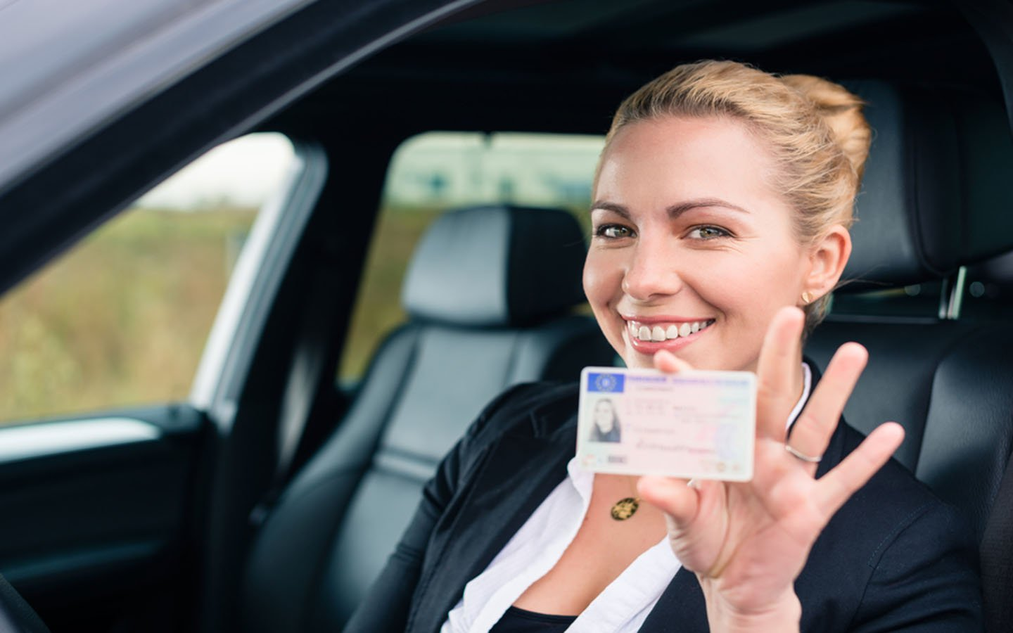 4 Things to Know about Driver's License Points