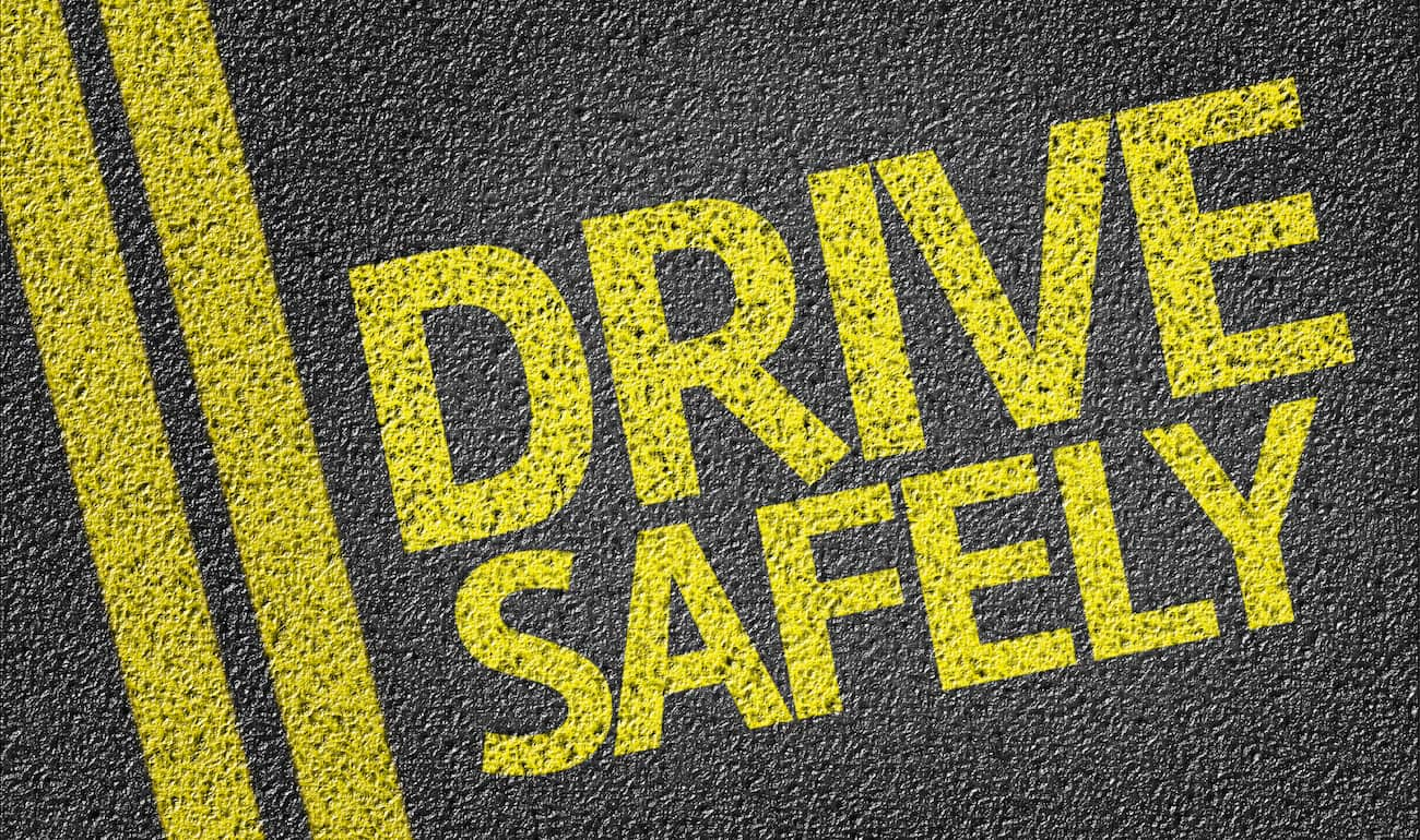 4 Tips to Stay Safe While Driving